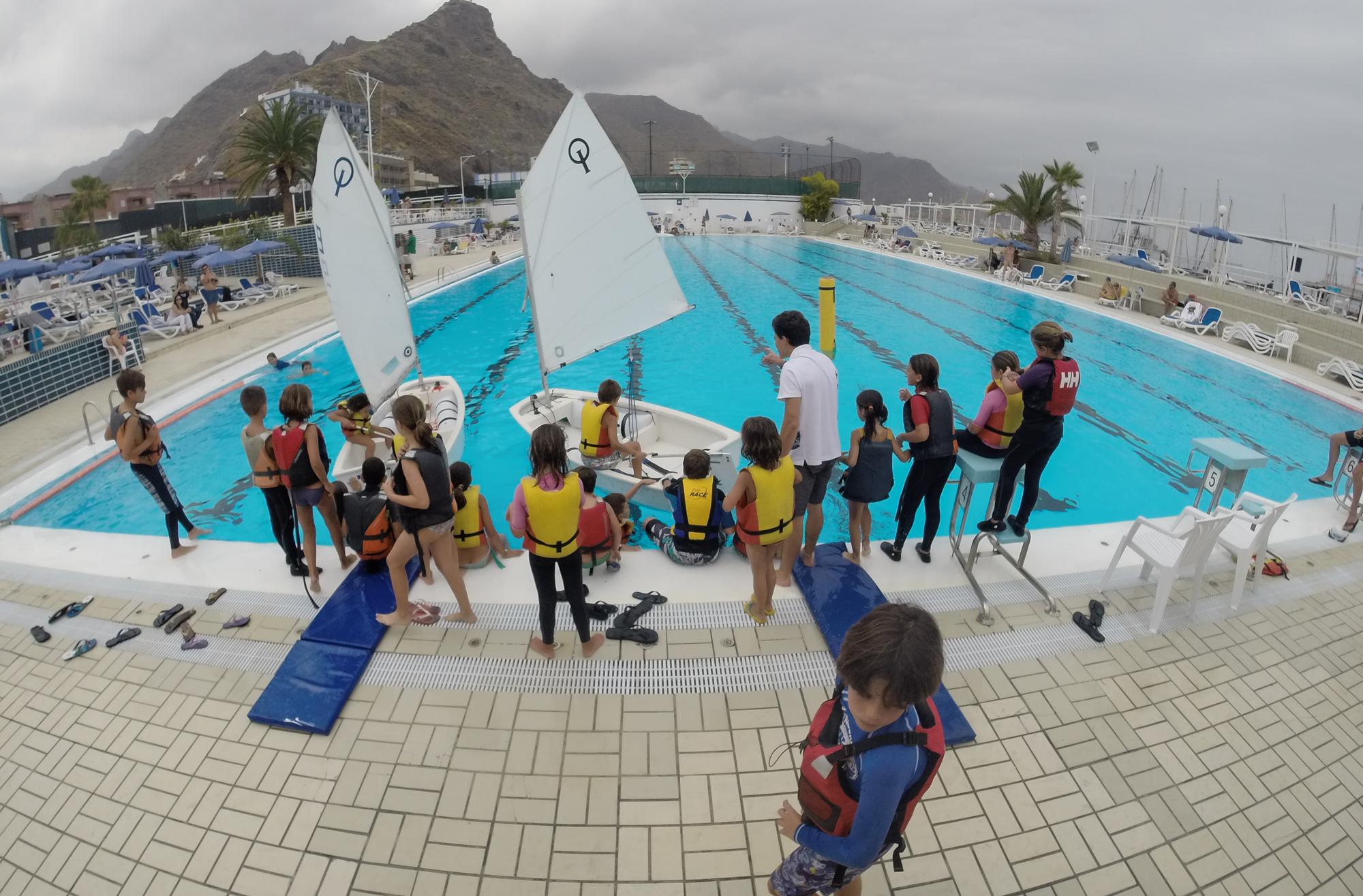 El rcnt organiza una exhibici n de vela en la piscina de for Piscina 50 metros sevilla