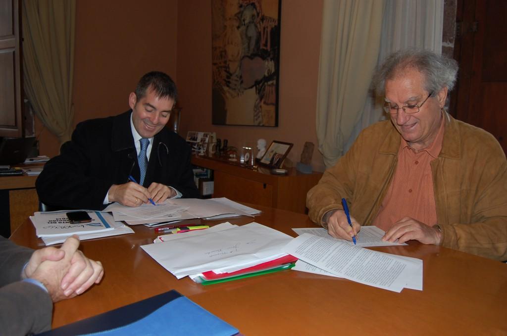 El ayuntamiento y cruz roja renuevan su colaboraci n para luchar contra la exclusi n social la - Oficina de empleo la laguna ...