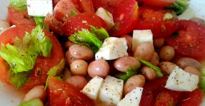 El mercado municipal de la laguna con la cocina veraniega ensalada de judias pintas con tomate - Ensalada de judias pintas ...